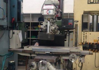 Fresadora convencional KONDIA KP 90
