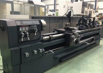 Lathe GURUTZPE CU-587 x 3.000 between centers